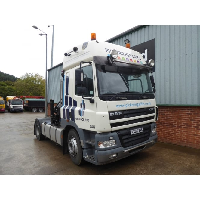 DAF CF85-430 4x2 Tractor Unit with Crane 2006 MANUAL GEARBOX