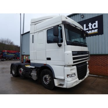 XF105.460 6 X 2 TRACTOR UNIT 2010