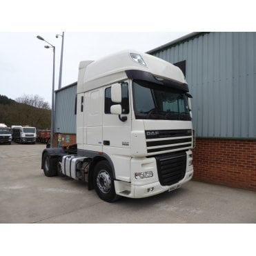 XF105.460 6 x 2 Tractor Unit, Manual Gearbox 2013