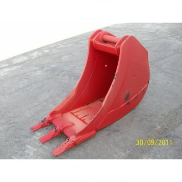 "MILLER 24"" (600mm) Scoop Bucket to suit 20 ton excavator"