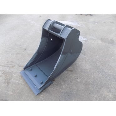 "MILLER 24"" (600mm) Scoop Bucket with Reversible Blade to suit 13 ton excavator"
