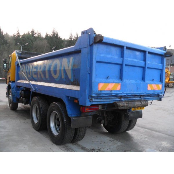 SCANIA P114-340 6x4 Steel Tipper 2000 MANUAL GEARBOX